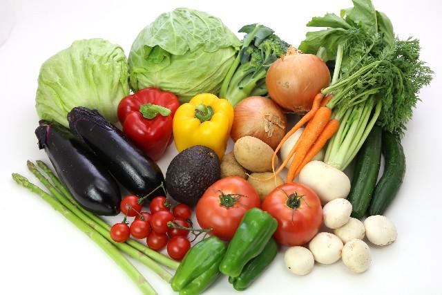 山盛りの新鮮な野菜