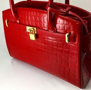 牛革型押し内側馬革使用のケリー型バッグ
