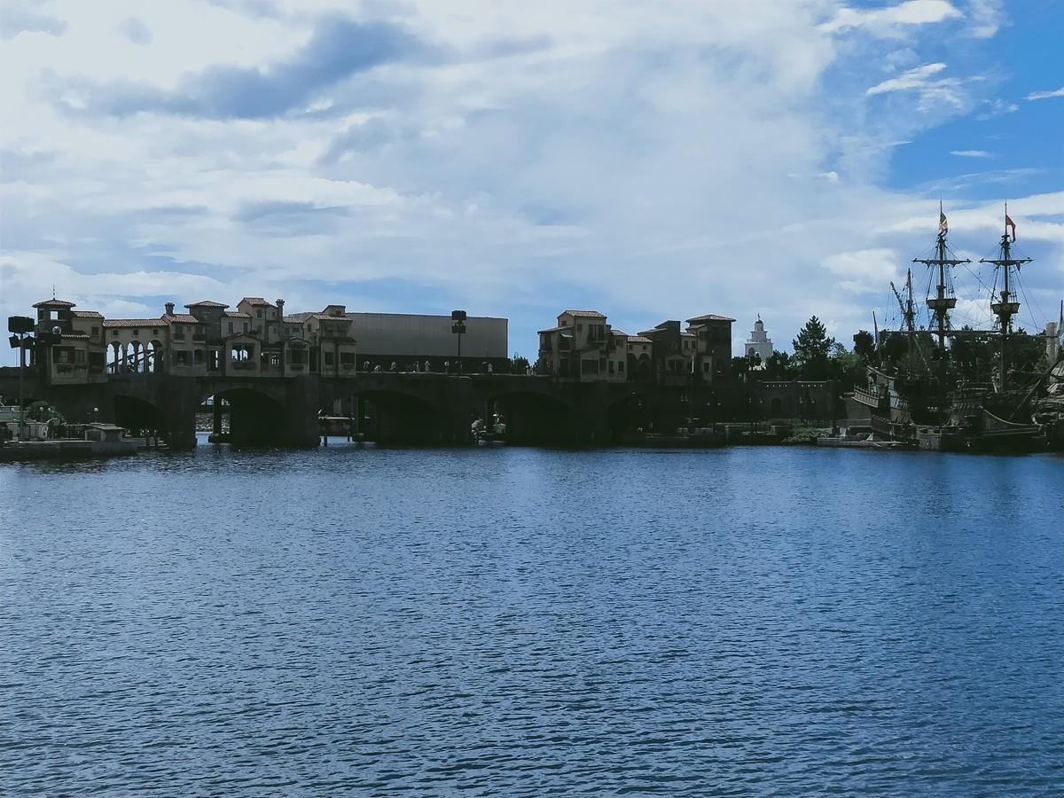 ディズニーシー、中央の水場