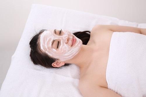 美容ポリフェノール 『フラバンジェノール化粧品』の保湿効果