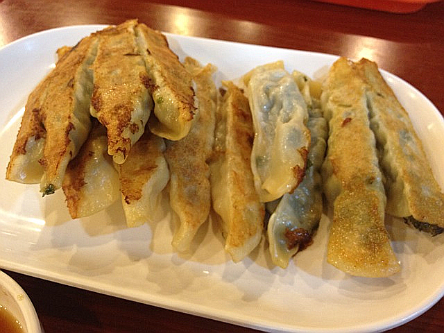 中国の焼き餃子「鍋貼(コーテル)」