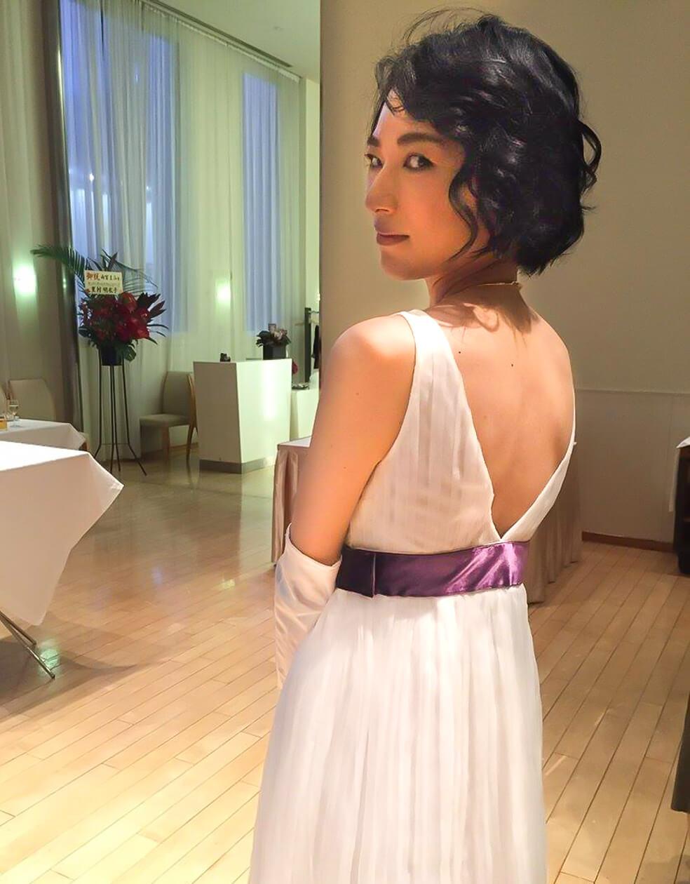 ウエディングドレスを着て歌って踊りたい