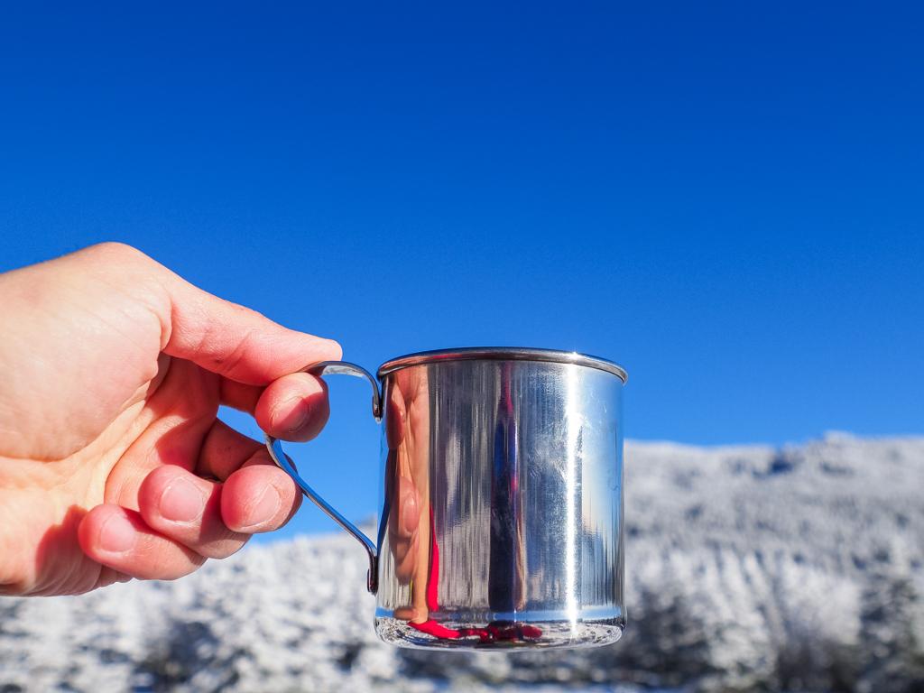 常に熱々のお湯を携帯できます。