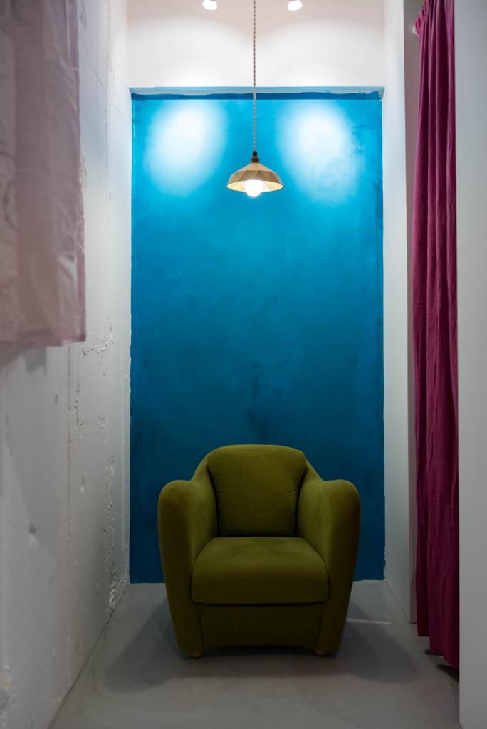 壁は自分で色を塗っちゃうし、
