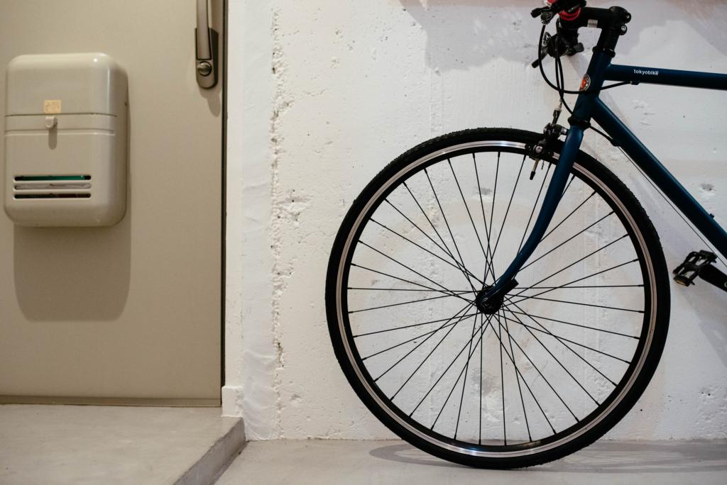 自転車は玄関においてやるんだぜ。