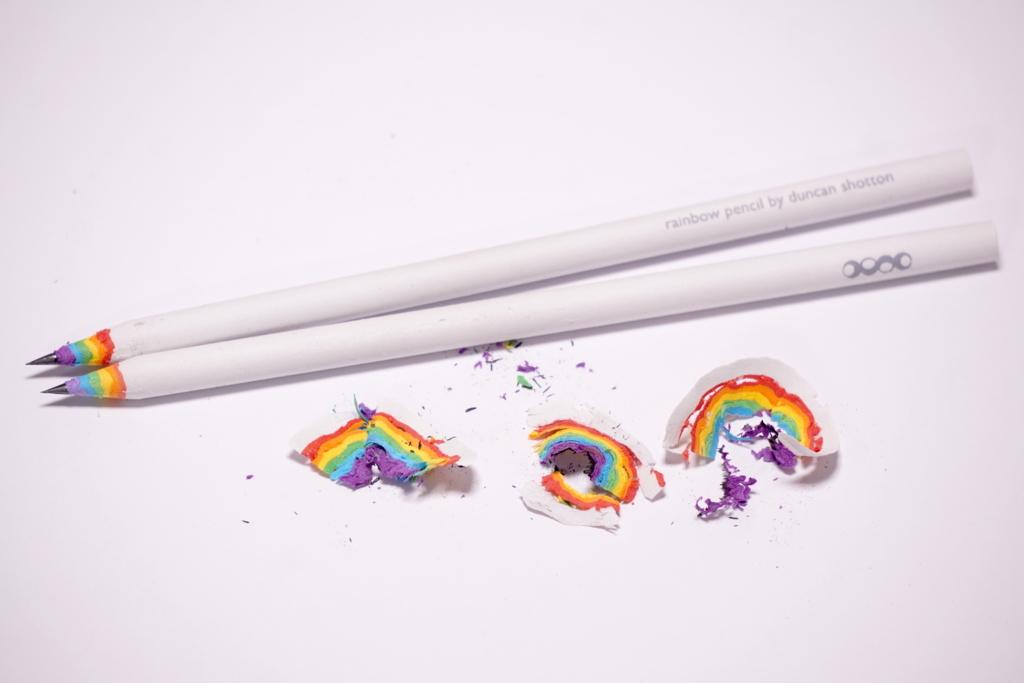 虹が出る鉛筆