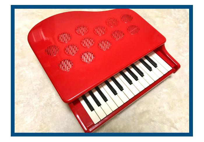 娘にプレゼントした子ども用のピアノ