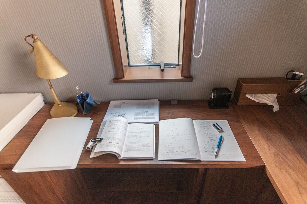 大学の勉強はクローズド書斎で