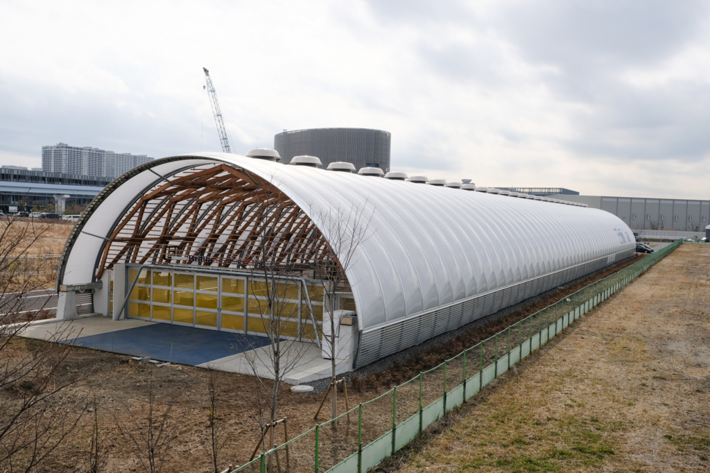 Xiborg Labのある新豊洲Brilliaランニングスタジアムの外観