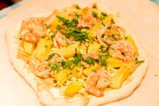 タイ風パイナップルカレーピザ