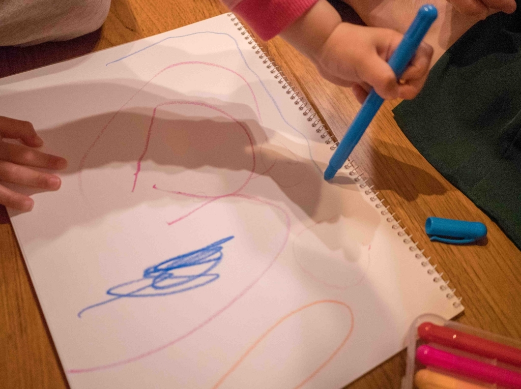 子どもと絵を描くときはテーマを決める