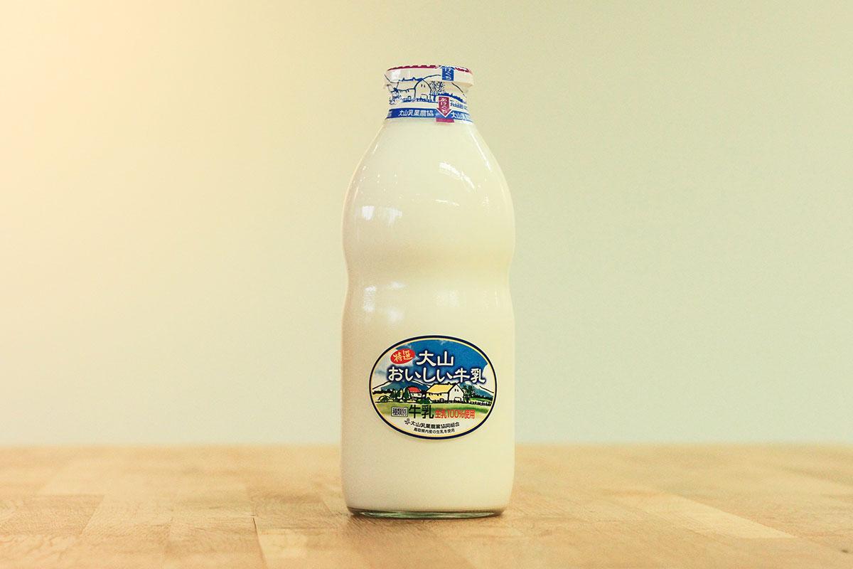 白バラ 特選大山おいしい牛乳