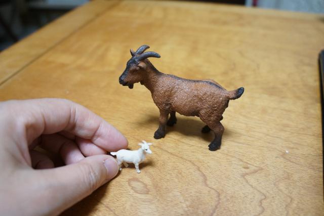 乙幡啓子、絶妙なバランス感覚に震える「崖の上のヤギゲーム」を作ってみた。まずはヤギをジオラマで作る