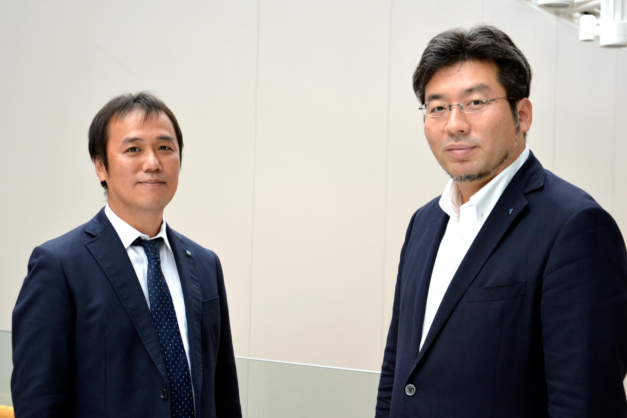 凸版印刷株式会社 情報コミュニケーション事業本部の岡田武士さん(写真左)と原徹さん(写真右)