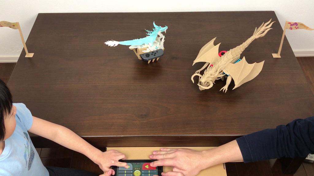 Nintendo Labo ダンボール工作したドラゴンリモコンカーで次男と試合