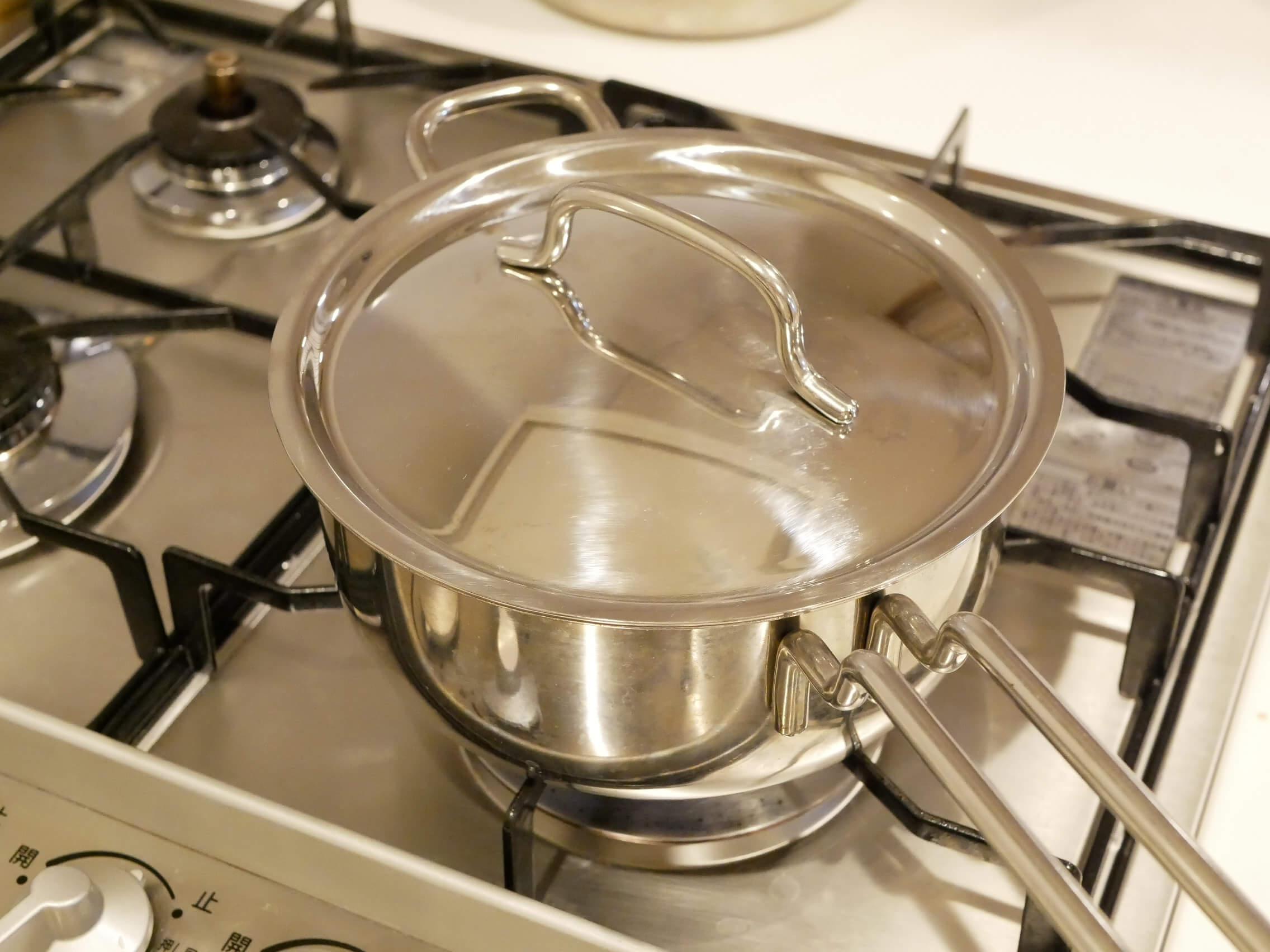 キャベツと鶏肉のトマト煮込みスープ