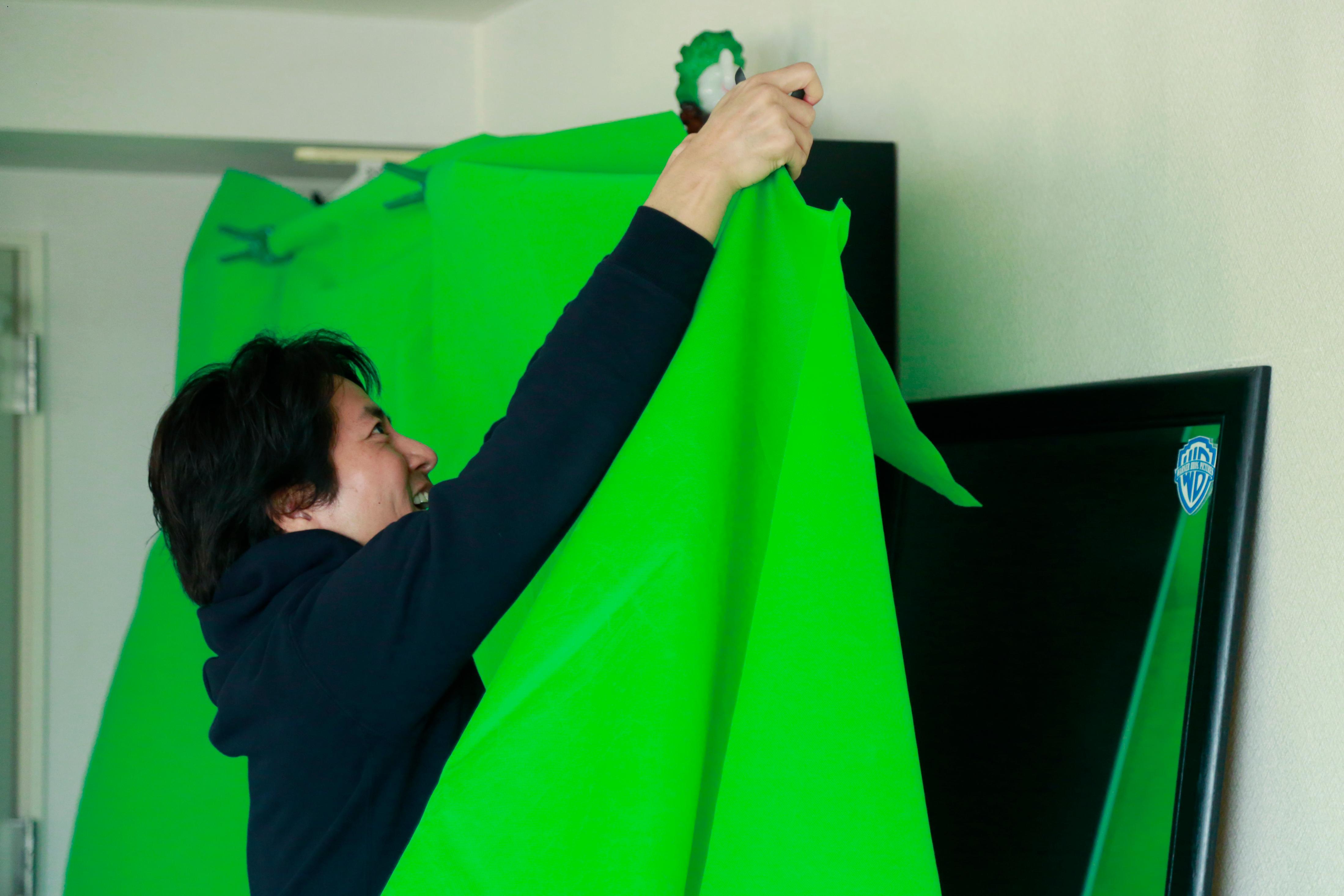 ケイン・コスギの自宅ゲーム配信環境には洗濯バサミが重要な役割