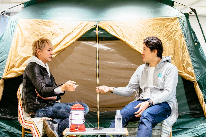 ソロキャンプの魅力について、芸人・ヒロシにヨッピーが聞いてみた