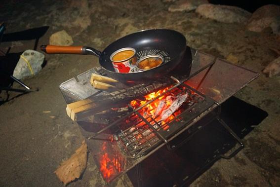 ヨッピーがソロキャンプに行ってみた。缶つまを食べる