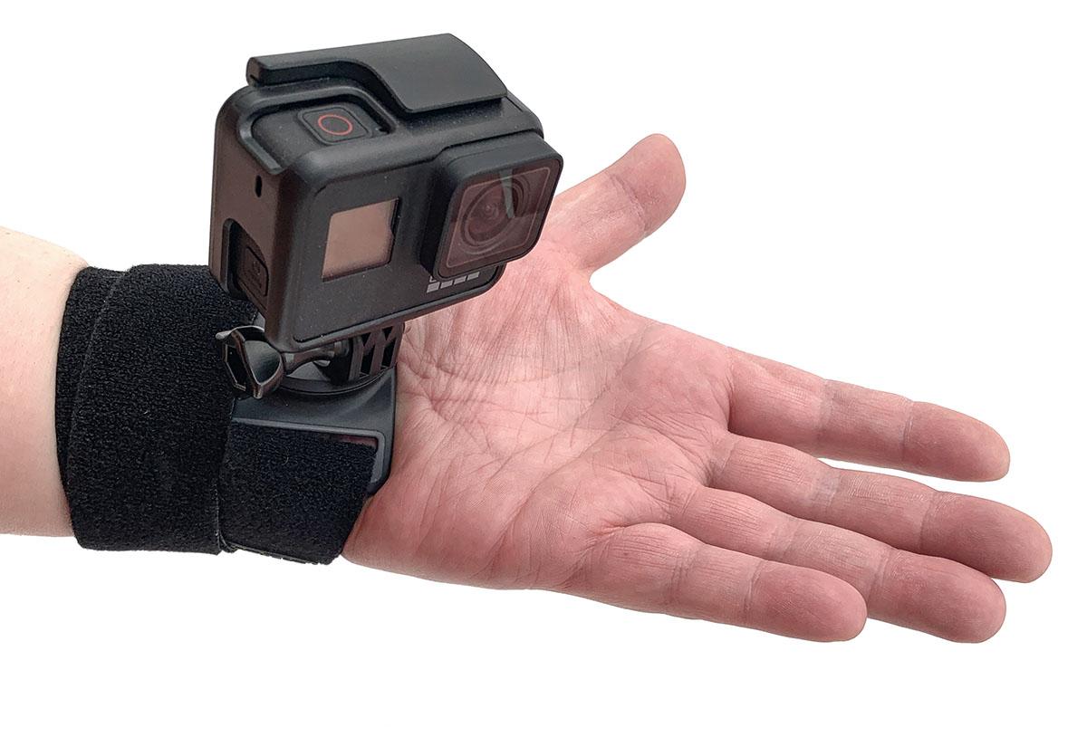 ハンド+リスト ストラップ「ザ・ストラップ(Ver.2.0)」を使ってカメラを固定