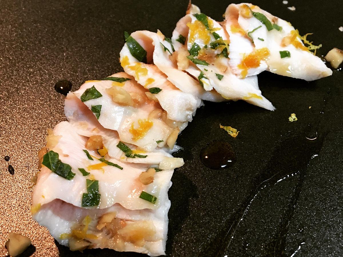 低温調理レシピ「地鶏ムネ肉のカルパッチョ風」