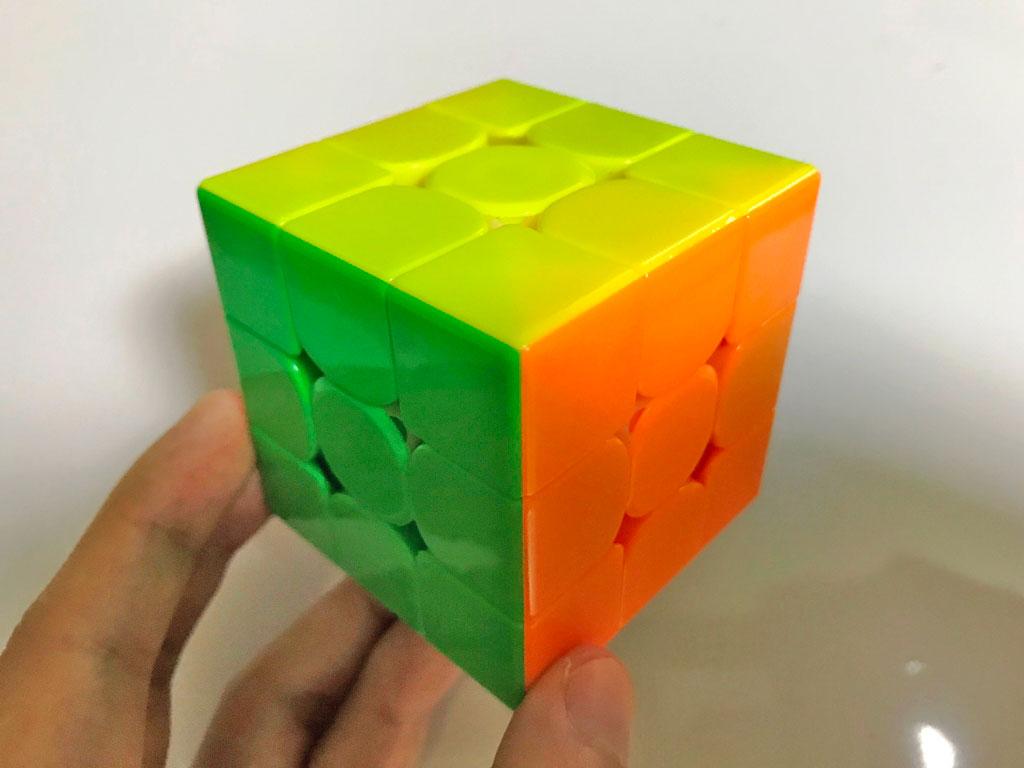一般的なルービックキューブ