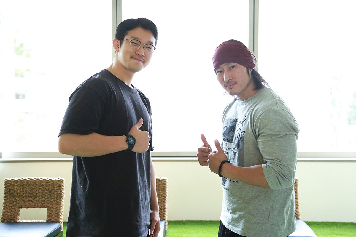 マッスルグリルのスマイル井上さん(左)とシャイニー薊さん(右)