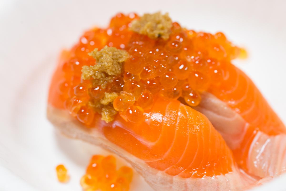 サーモン寿司とこぼれいくら