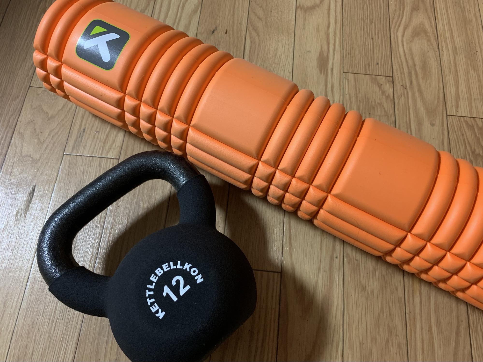 室内トレーニングに使う器具(トリガーポイント グリッド、ケトルベル )