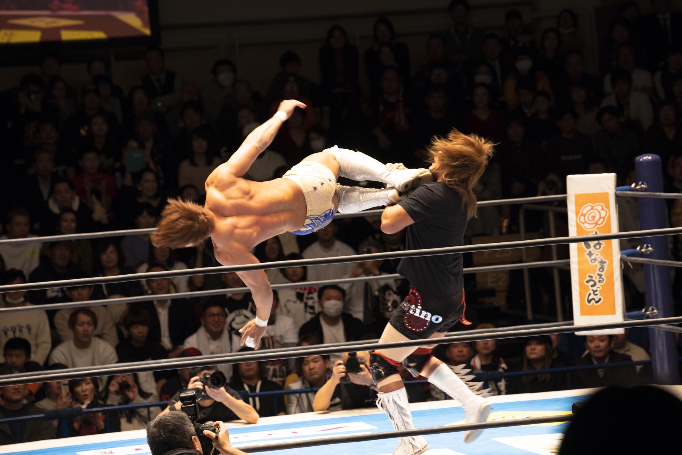 飯伏幸太選手の試合風景