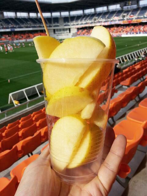 長野Uスタジアムのスタグル「カットリンゴ」