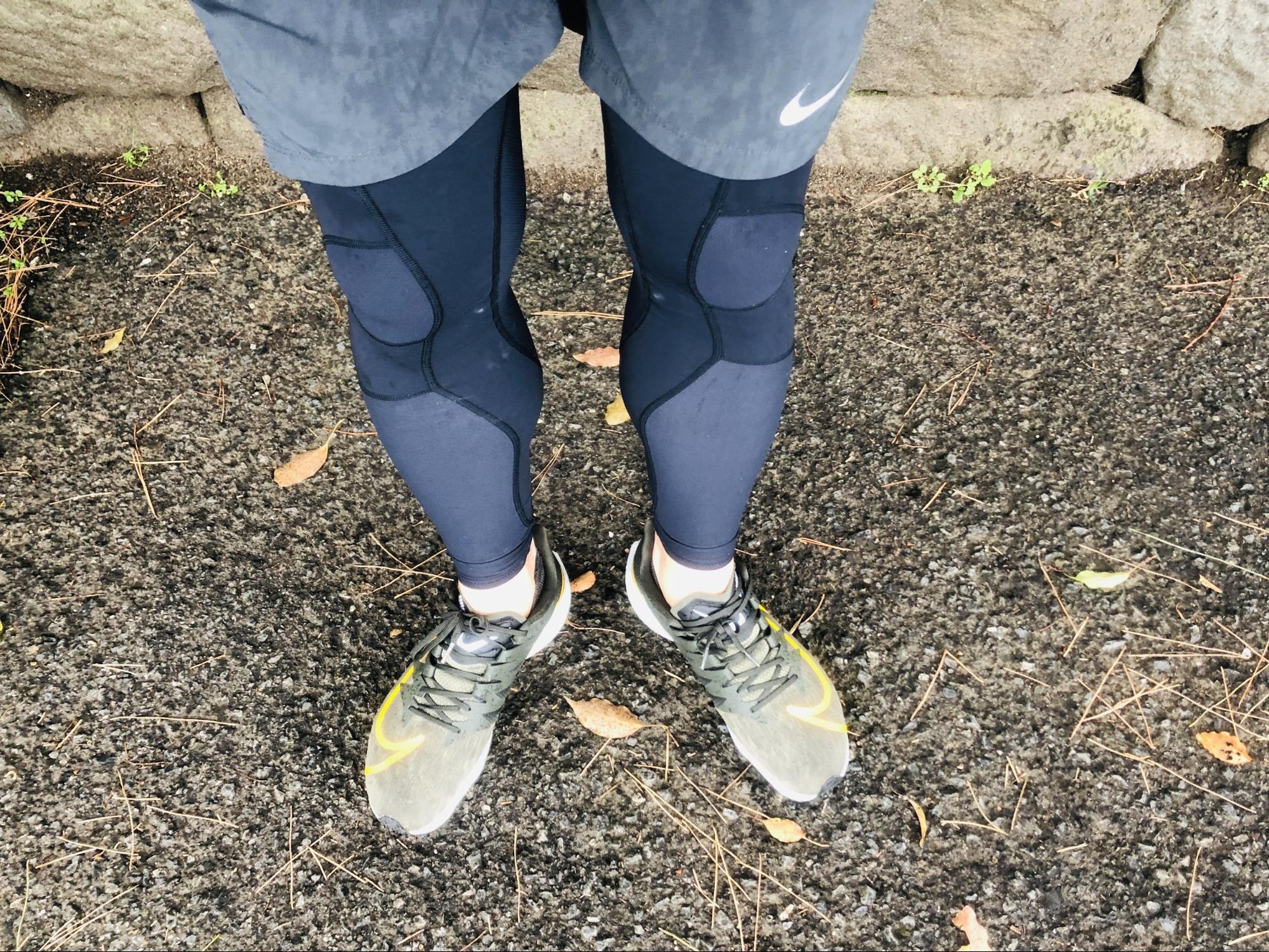 膝関節を固定してくれるスポーツタイツ「C3fit」
