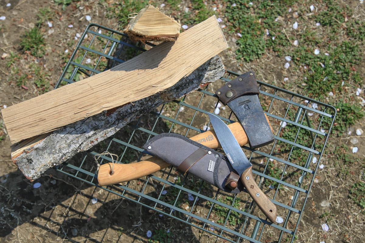 ソロキャンでは特に斧やナイフなどの取り扱いにくれぐれも注意