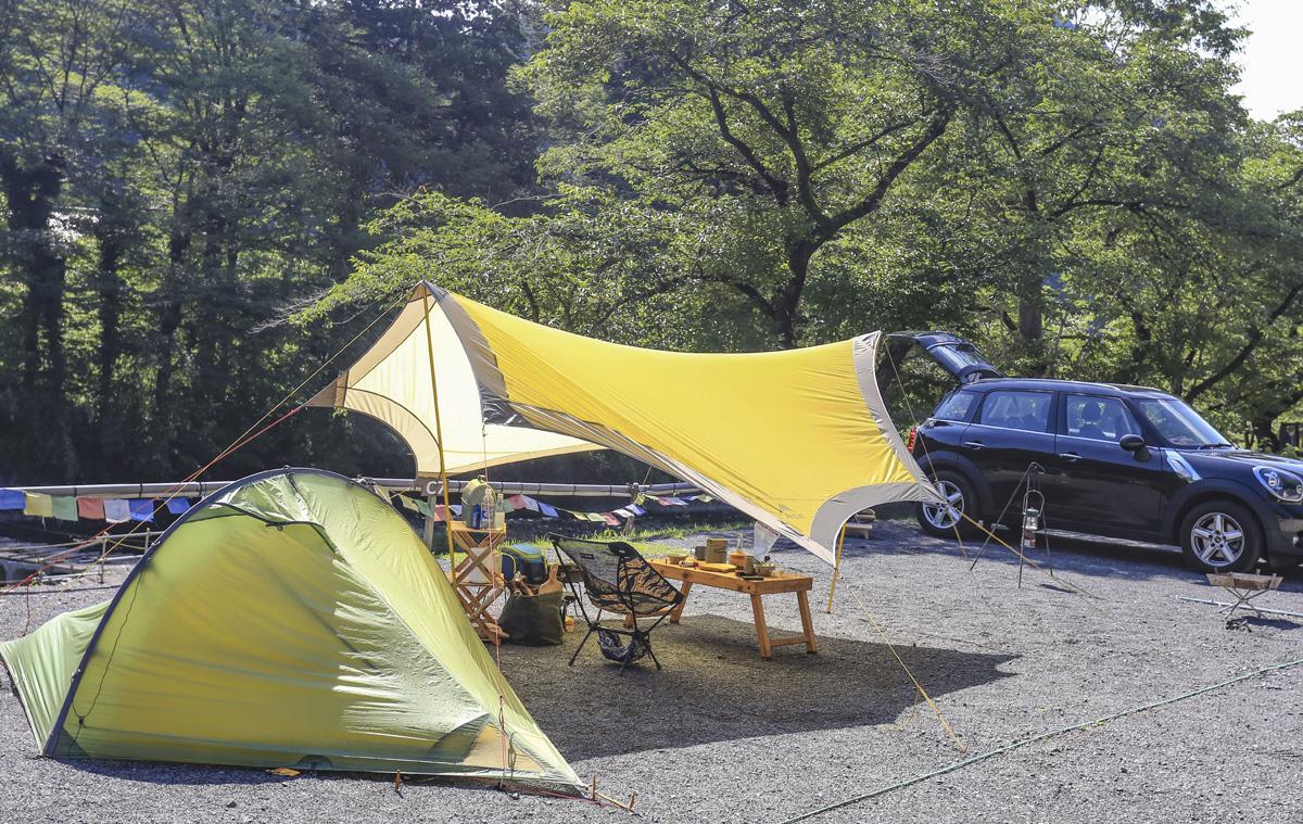 キャンプに行く手段でもっともオーソドックスなのが車。積載量も大きく、好きなギアを持っていける