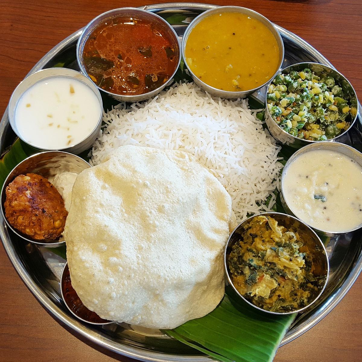 南インド料理の代表ともいえるミールス