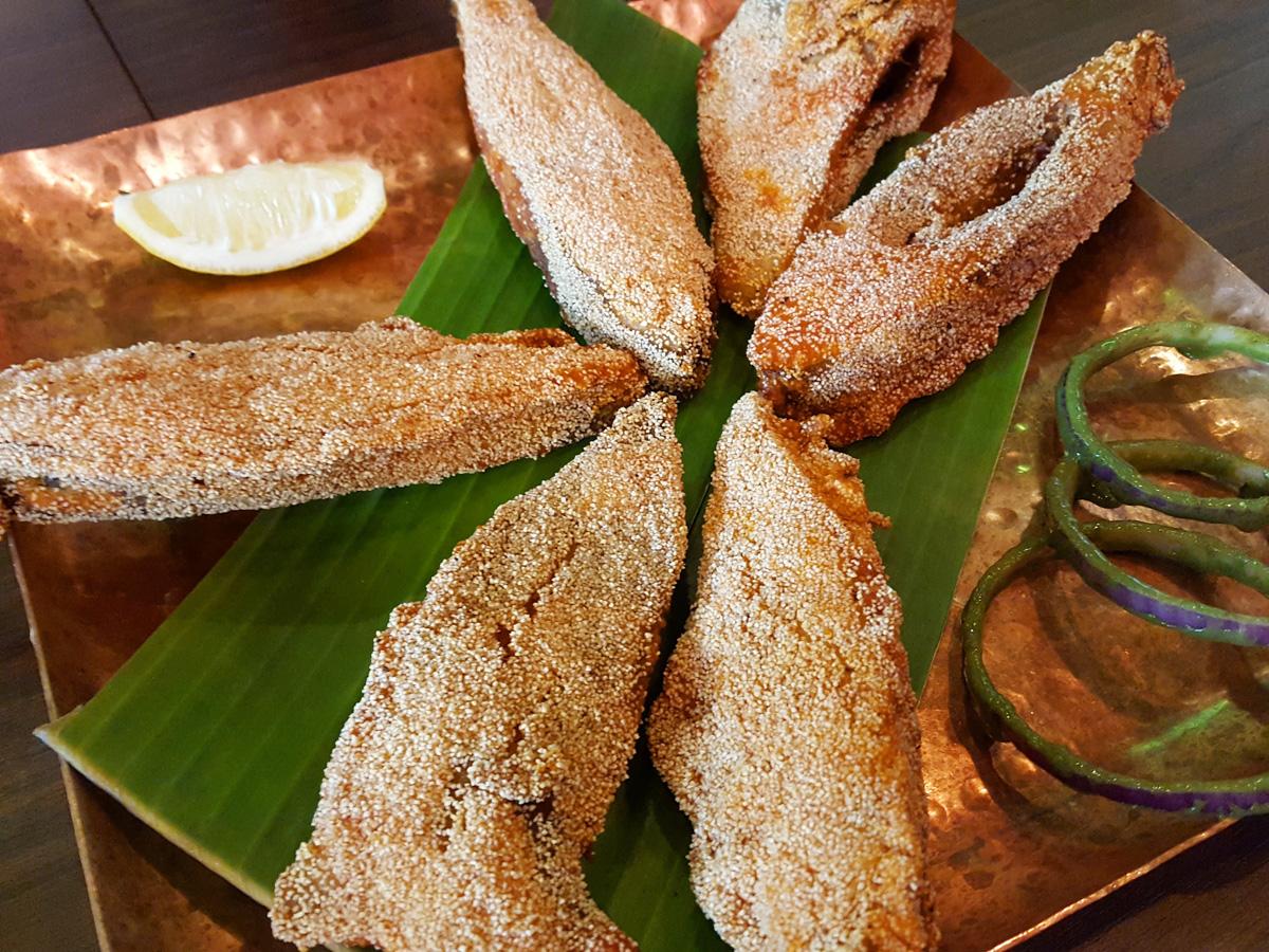 バンゲラズキッチンでは南インドのシーフード料理を堪能できる