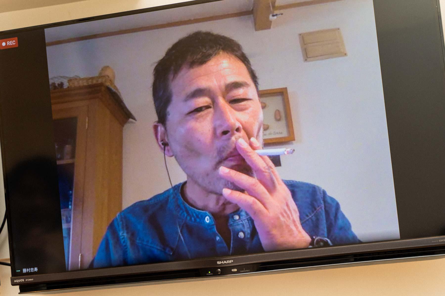 藤村忠寿さん取材中カット