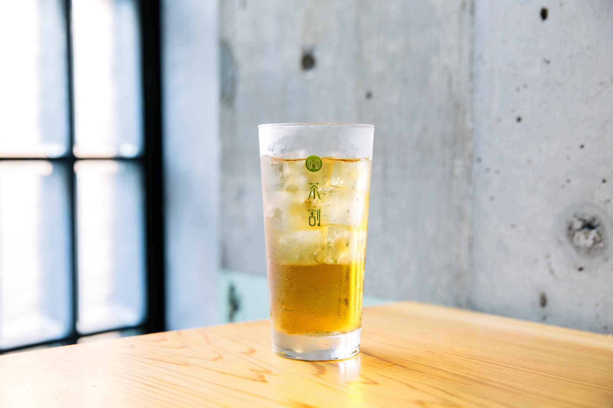 お茶割り専門店のオーナーに聞いた「おいしい緑茶ハイの作り方」を実践したらめちゃくちゃおいしかった