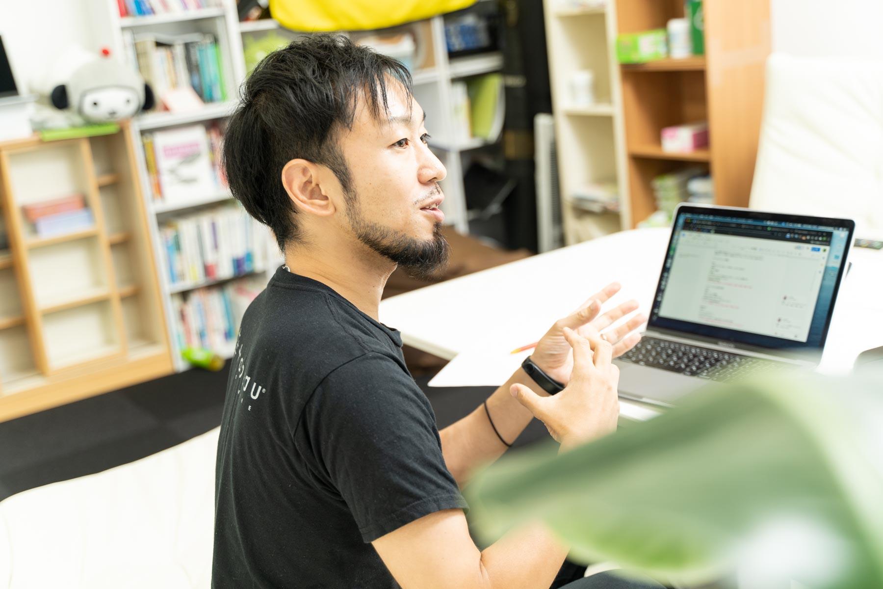 JADE村山佑介さんの横顔