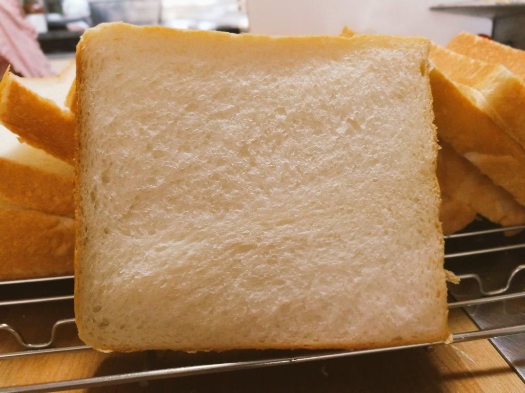 冨士島工機SOFT-98一枚切りスライサーで切った食パンは断面がきれい