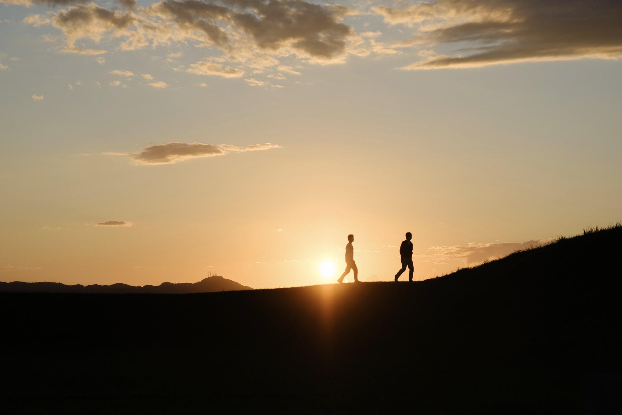 志苔館跡の夕日