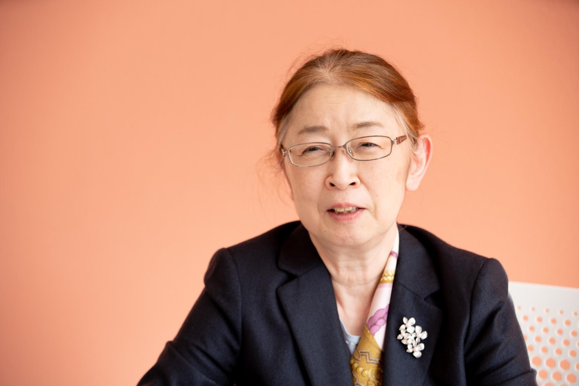 村木厚子さんの正面の表情