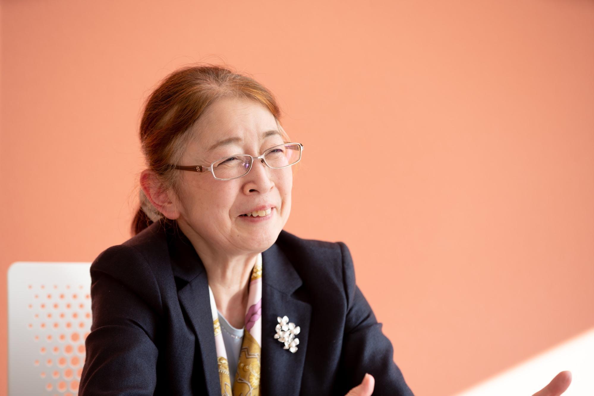 村木厚子さんが笑顔で語る
