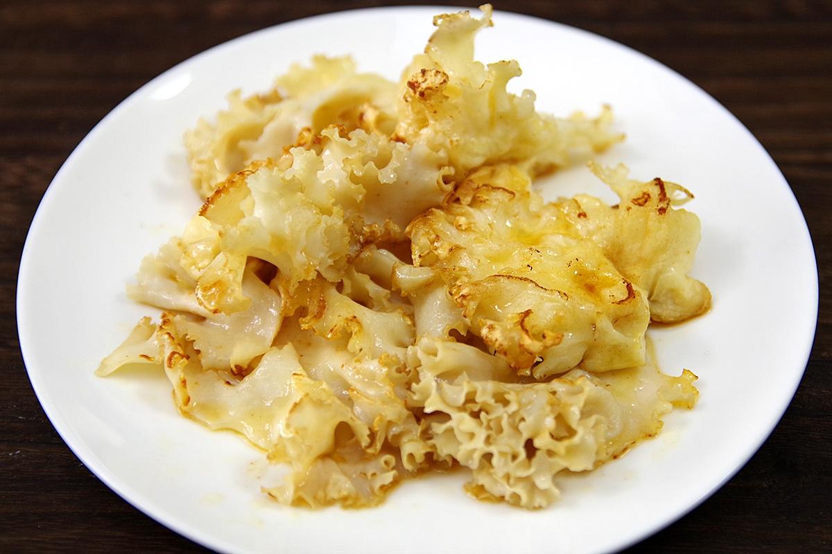 ハナビラタケの醤油バターソテー