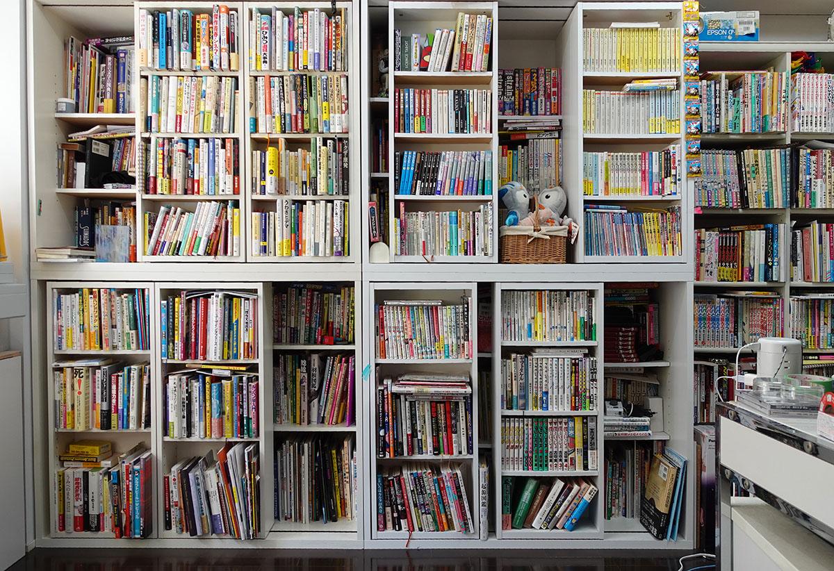 スライド式の本棚