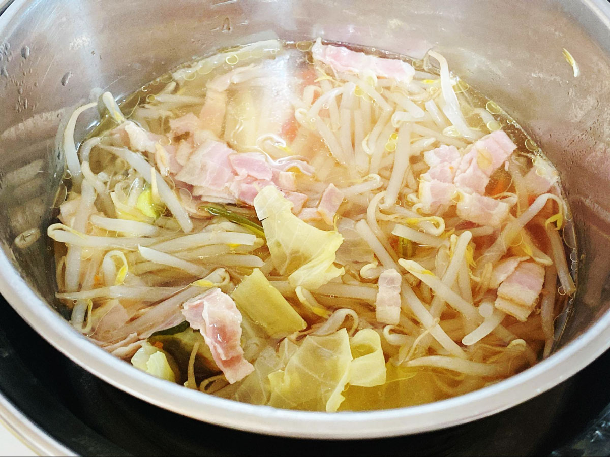 簡単コンソメスープの作り方