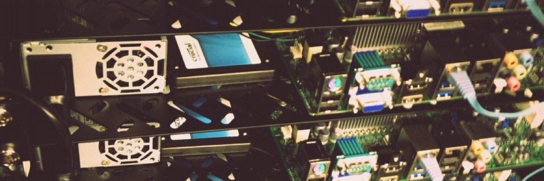 実際に自作したサーバ群