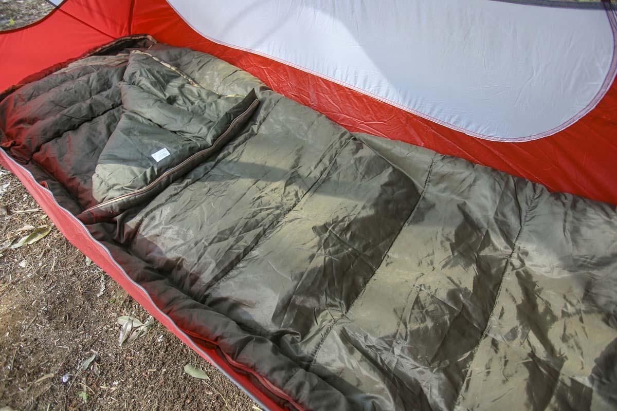愛用ソロ用テント。中には1人寝られるくらいのスペースしかない