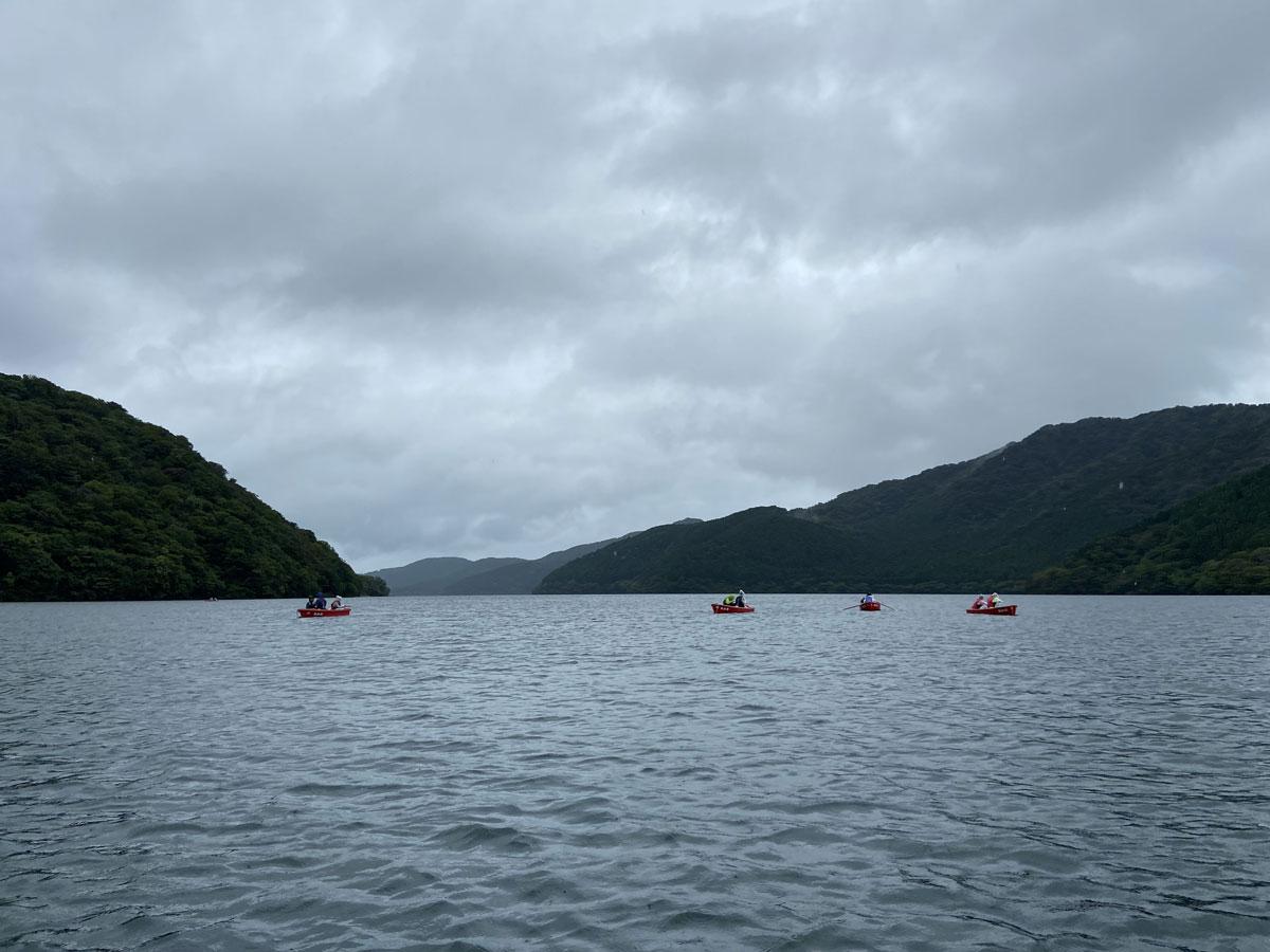 曇天の芦ノ湖