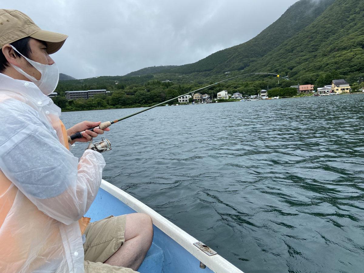 ローボートに乗って淡水釣りに挑戦